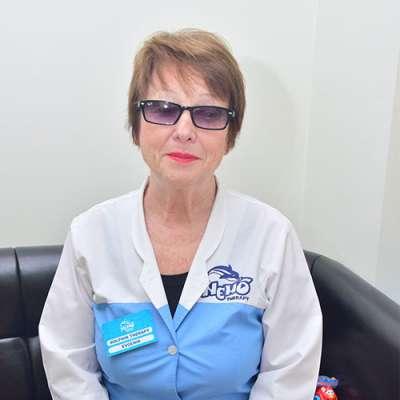 dolphin therapy specialist Yevheniia Pavlivna Sotnikova, photo therapynemo.com