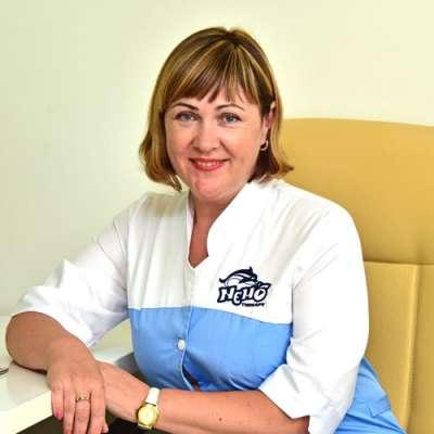 dolphin therapy specialist Olena Vasylivna Chorna, photo therapynemo.com