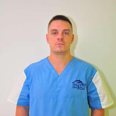 dolphin therapy specialist Maksym Oleksiyovych Babakov, photo therapynemo.com